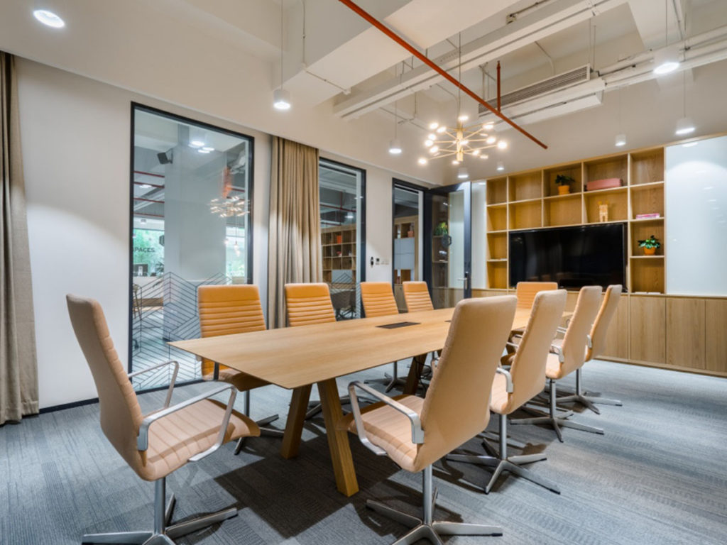 Co-working Essentials: Meeting Room